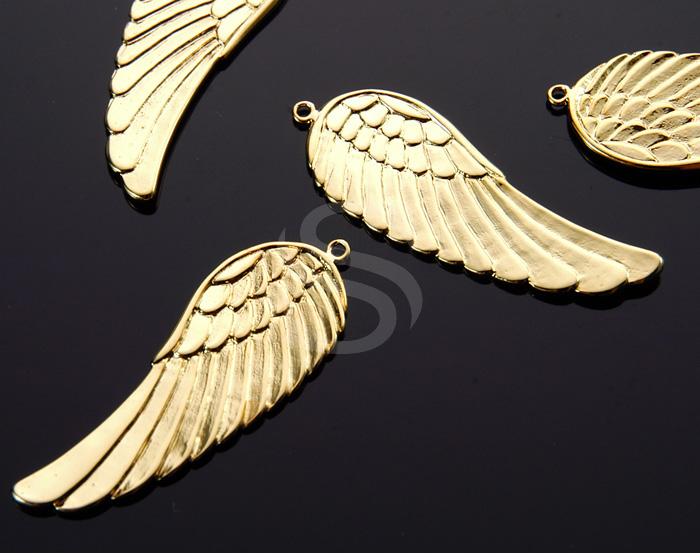 [B0169-P1-G] 2 Pcs / Beautiful Angel Wing Pendant / Brass / 15mm x 43mm