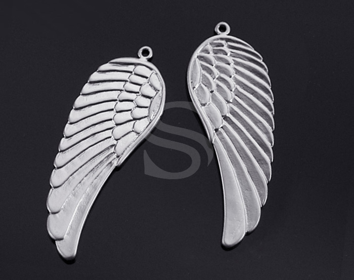[B0169-P1-MS] 2 Pcs / Beautiful Angel Wing Pendant / Brass / 15mm x 43mm