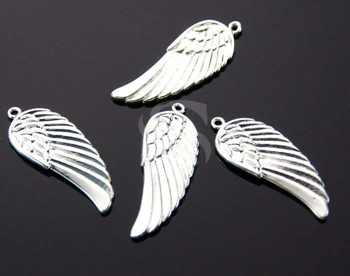 [B0169-P3-ATSS] 2 Pcs / Beautiful Angel Wing Pendant / Brass / 11.3mm x 30mm