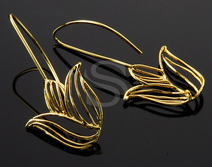 [B0992-H-G] 2 Pcs / Line Art Beautiful Tulip Hook Earring / Brass / 20.8mm x 42mm