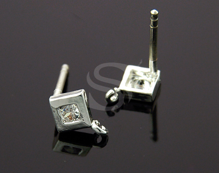 [H0088-E1-ATSSCR] 4 Pcs / Single Cubic Zirconia Detailed Square Shape Earrings / Brass / 5mm