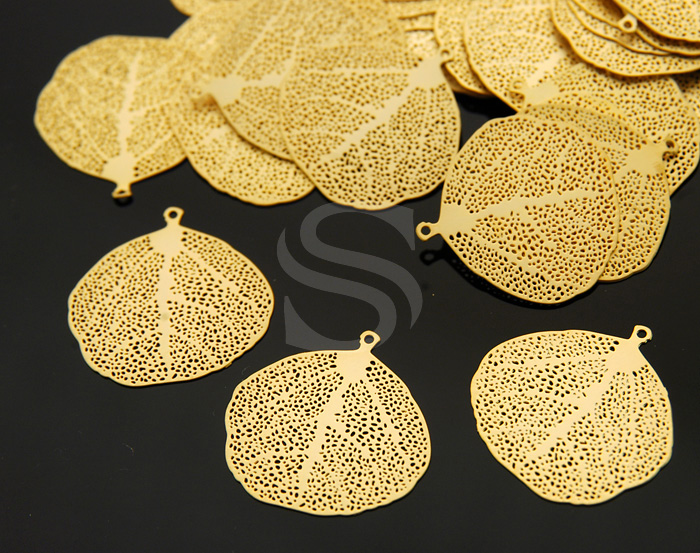 [B0121-P1-MG] 6 Pcs / Highly Detailed Filigree Leaf Pendant / Brass / 20mm x 19mm