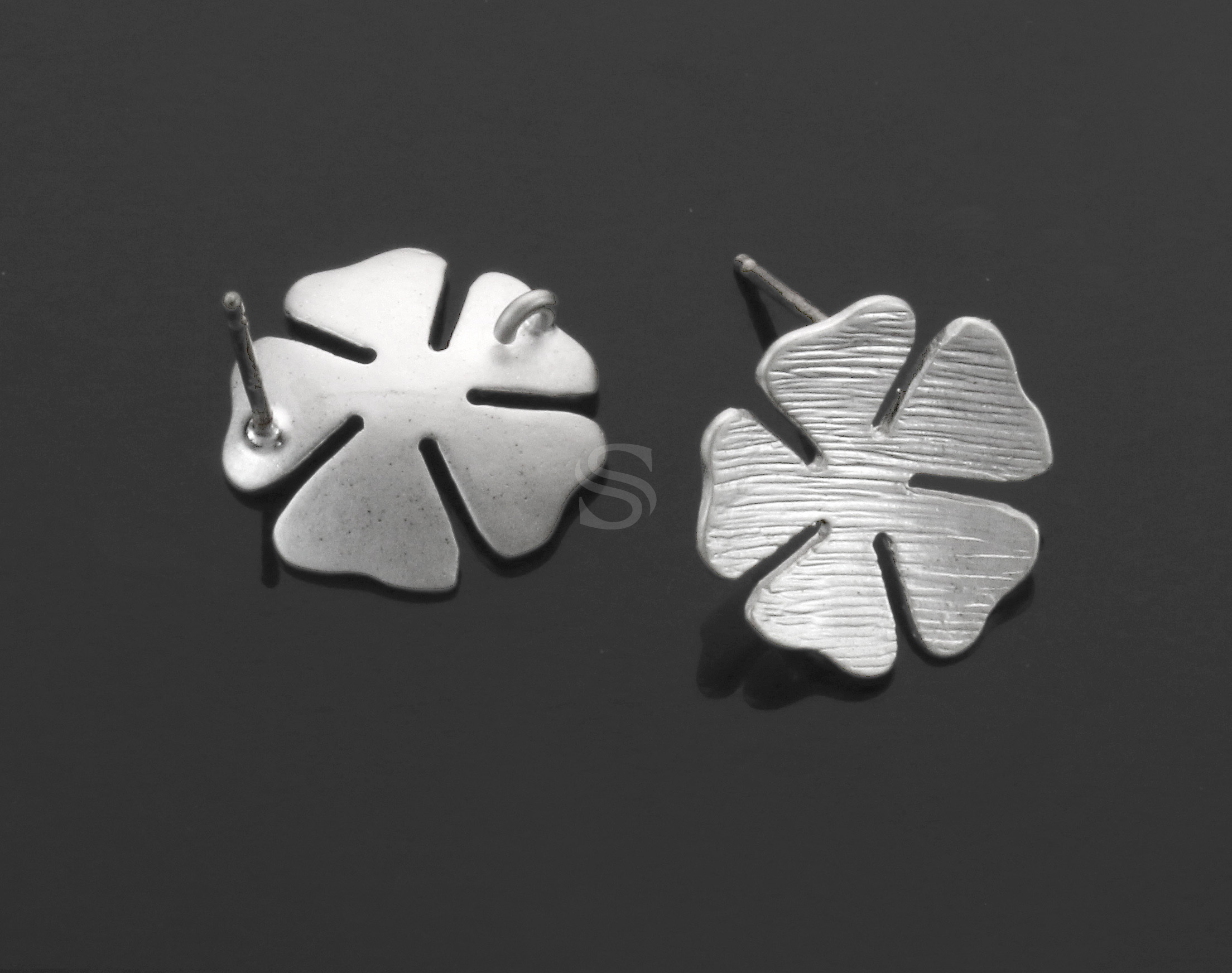 [B1238-E-MS] 2 Pcs / Five Petal Flower Earring / Brass / 13.5mm (Diameter)