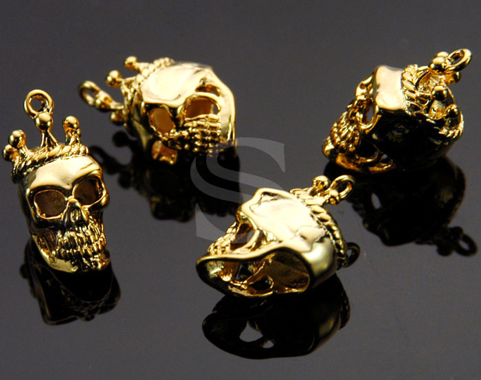[B1364-P-G] 4 Pcs / Skull Charm / Brass / 7.5mm x 18mm