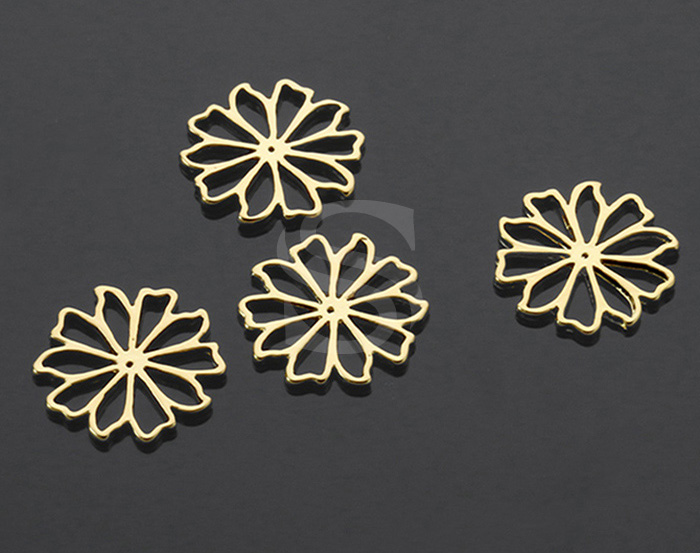 [B1420-C-G] 4 Pcs / Delicate Cut Out Flat Flower Connector / Brass / 14.6mm