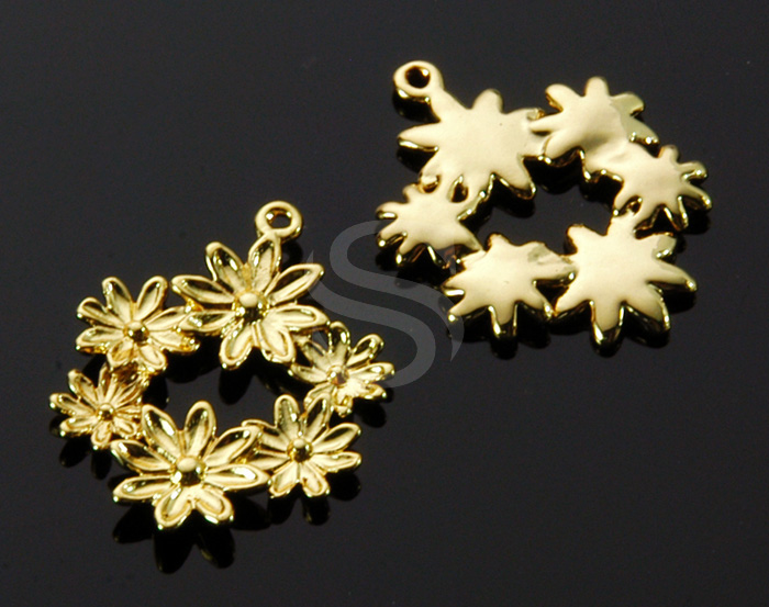 [B1531-P-G] 4 Pcs / Flower Decorated Pendant / Brass / 15.3mm x 19.5mm