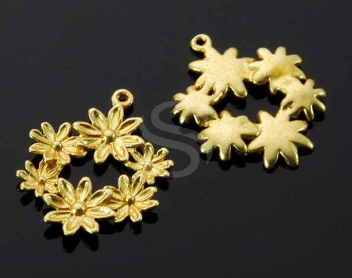 [B1531-P-MG] 4 Pcs / Flower Decorated Pendant / Brass / 15.3mm x 19.5mm