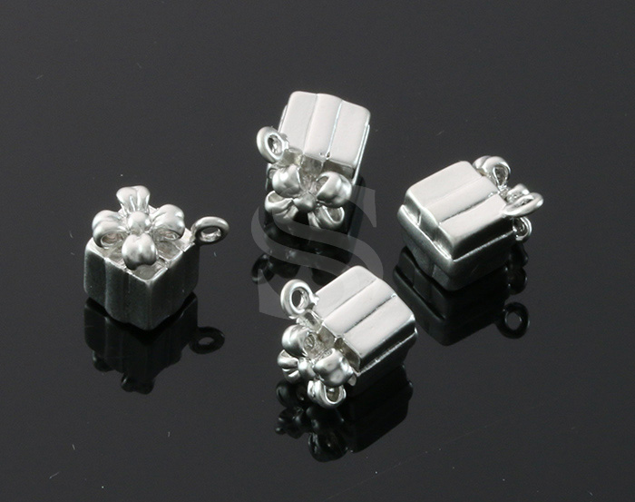 [B1607-P-MS] 4 Pcs / Gife Box Pendant / Brass / 7mm x 9.3mm