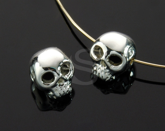 [B1708-C-ATSS] 4 Pcs / Skull Bead / Brass / 7.4mm x 8.4mm