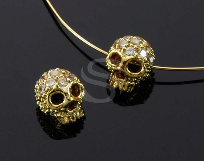 [B1708-C2-G] 2 Pcs / CZ Detailed Skull Bead / Brass / 7.4mm x 8.4mm