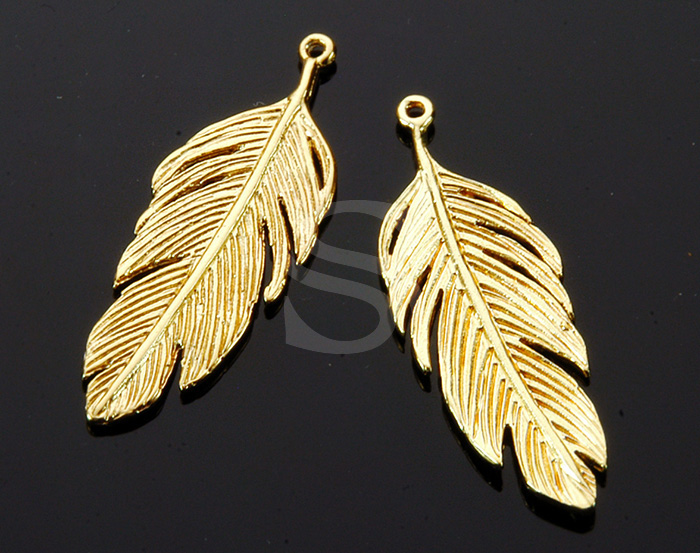 [B1751-P-G] 2 Pcs / Feather Pendant / Brass / 12mm x 34.3mm
