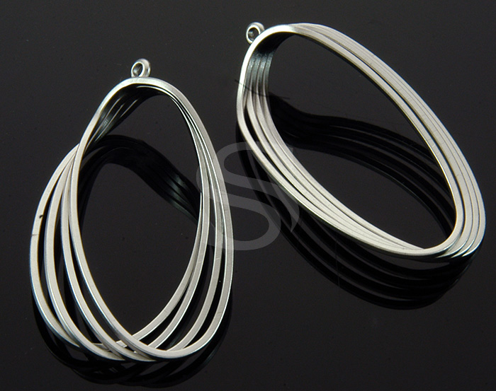 [B1932-P-MS] 2 Pcs / 4 Lined Oval Pendant / Brass / 24mm x 39mm