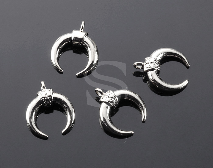 [B2124-P-ATSS] 4 Pcs / Double Horn Pendant / Brass / 13mm x 15mm