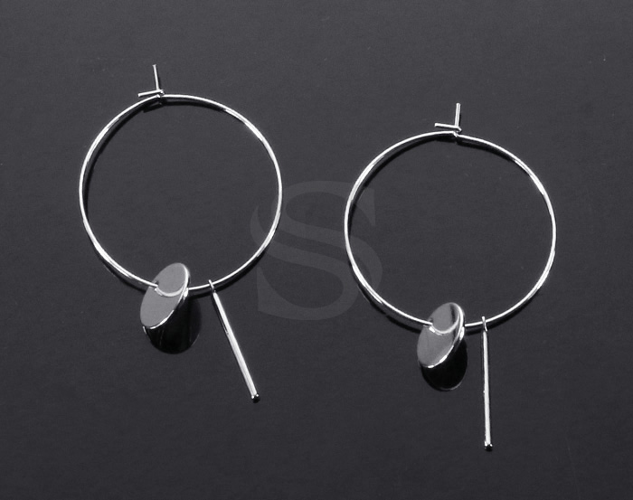 [B2148-E2-RF] 2 Pcs / Hoop Earring with little charms / Brass