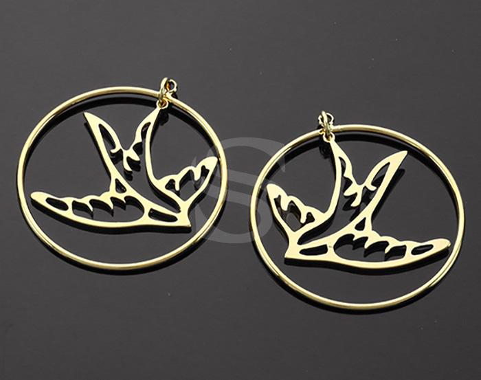 [B2230-P2-G] 4 Pcs / Cut Out Flying Bird and Circle Pendants / Brass / 30mm x 32.2mm
