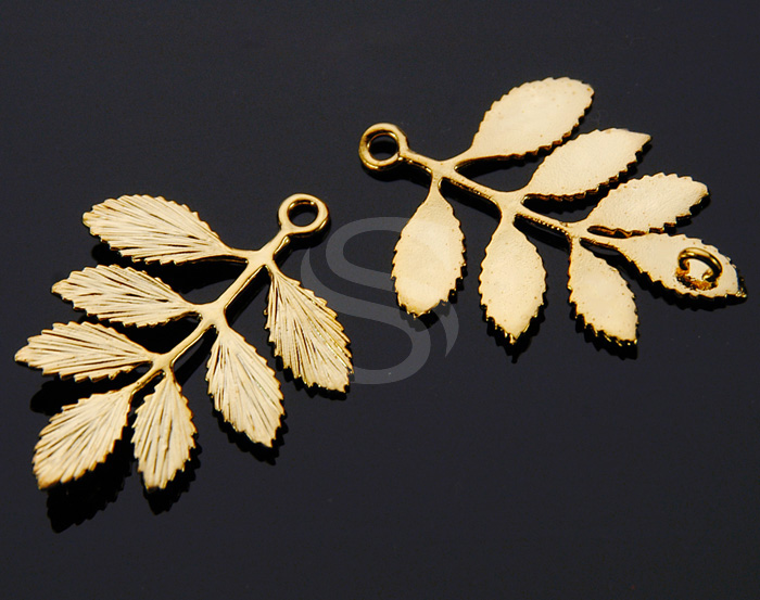 [B0230-C2-G] 2 Pcs / Beautiful Leaves with Branch / Brass / 30mmx36mm