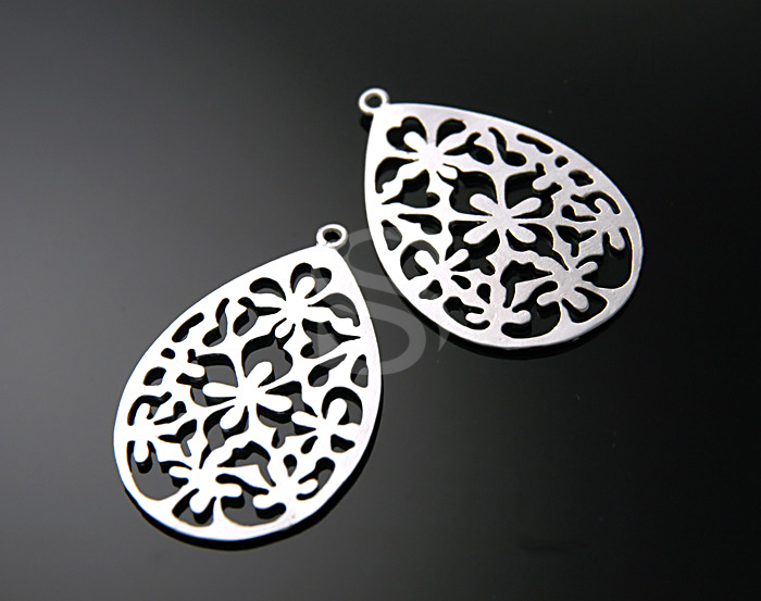 [B0250-P-MS] 2 Pcs / Oriental motif gorgeous teardrop shaped pendant / Brass / 27mmx40mm