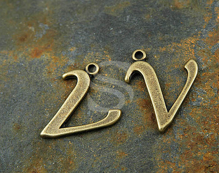 [B0285-V-AB] SALE 4 Pcs / Hand Atiqued Initial Letter Charms / Pewter / 17mmx23mm