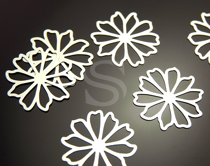 [B0038-P1-MS] 6 Pcs / Romantic Line Work Flower Pendant / Brass