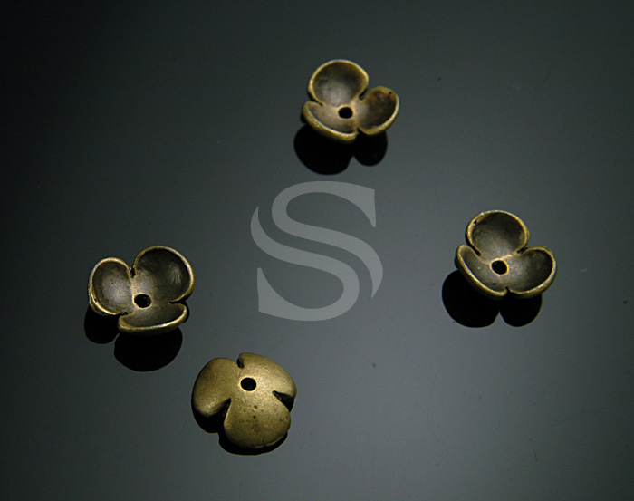 [BS0712-AB] 4 Pcs / Adorable Three Petals Flower Bead Cap / Brass / 3.6mmx11mm
