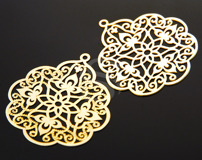 [B0021-P1-MG] 4 Pcs / Oriental Filigree Pendant / Brass/ 29mm x 32mm