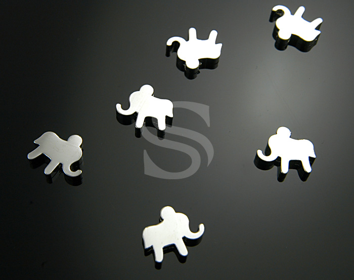 [B0519-C-RF] 6 Pcs / Simple & Cute Flat Elephant Bead / Brass / 10.7mmx12mm