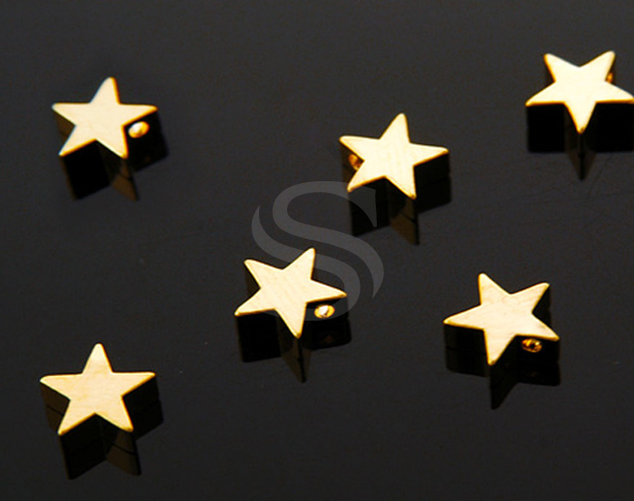 [B1104-P-G] 6 Pcs / Simple Flat Petite Star Beads / Brass / 8mmx8mm