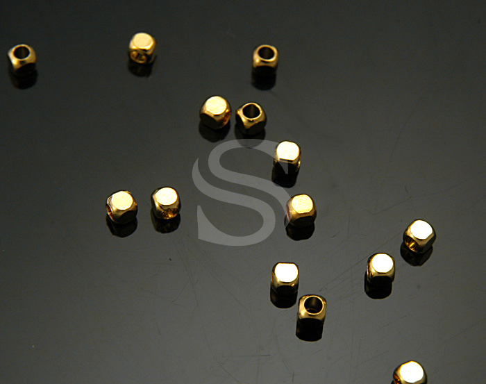 [BS1001-G] 20 Pcs / Faceted Cube Beads / Brass / 2.5mm