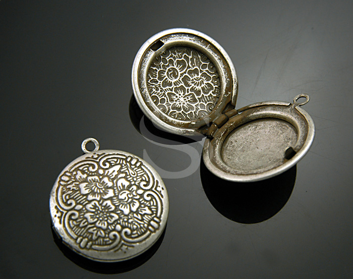 [B1598-P-AS] 2 Pcs / Highly Wrought Pattern Round Locket / Brass / 20mmx23mm
