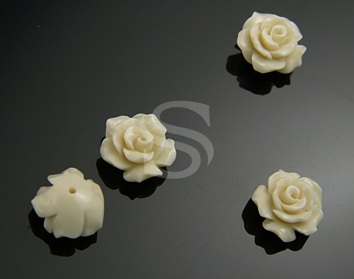 [G0037-1-WH] 4 Pcs / Delicate, Romantic White Rose Bead / Polyresin / 10mm