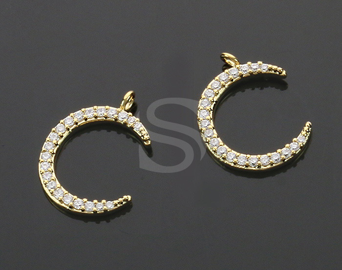 [H0518-P-G] 2 Pcs / CZ Detailed Crescent Moon Charm Pendant / Brass / 14.8mm x 11mm