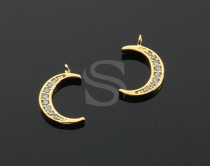 [H0537-P-G] 2 Pcs / CZ Detailed Crescent Moon Charm Pendant / Brass / 9mm x 14mm