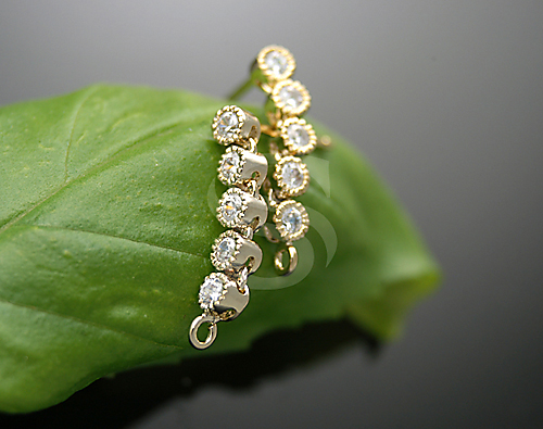 [H0078-E-GCR] 2 Pcs / Unique Prong Set of Five Cubic Zirconia Earring Findings / Brass + CZ / 3mm x 14mm