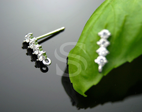 [H0080-E-RFCR] 2 Pcs / Bar of Prong Set Four CZs Earrings / Brass + Swarovski / 9mm x 3mm