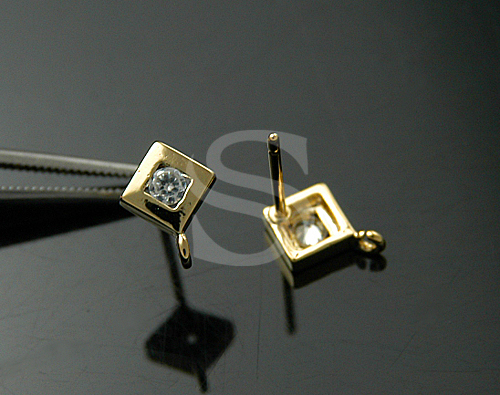 [H0088S-E2-GCR] 4 Pcs / Single Cubic Zirconia Detailed Square Shape Earrings / 925 Sterling Silver / 7mm