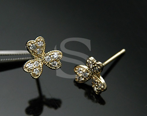 [H0105-E-G] 2 Pcs / Clover Stud Earrings / Brass / 8mm x 8mm