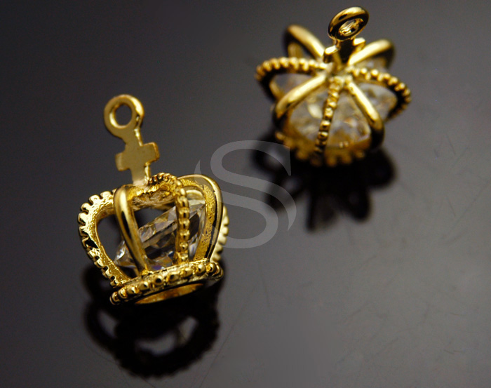 [H0171-P-GCR] 2 Pcs / Dainty Petite Crown with Cubic Zirconia Charm / Cubic Zirconia / 11mmx15mm