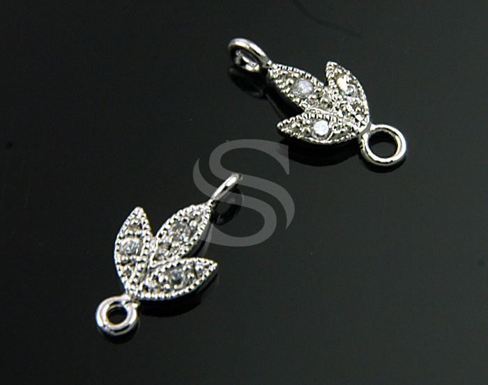 [H0206-C-RF] Swarovski Detailed Three Petals Flower Connector / 5mmx11mm