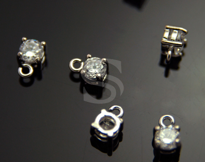 [H0232-P-RFCR] 6 Pcs / CZ Detailed Prong Setting Charm / Brass / 4mm x 6mm