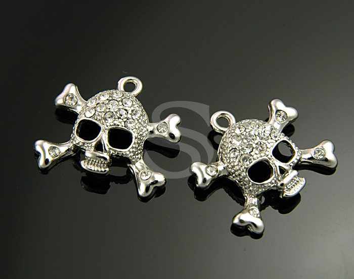[H0237-P-RFCR] 2Pcs / Delicate CZ Detailed Skull Pendant / Brass / 13mm x 11mm