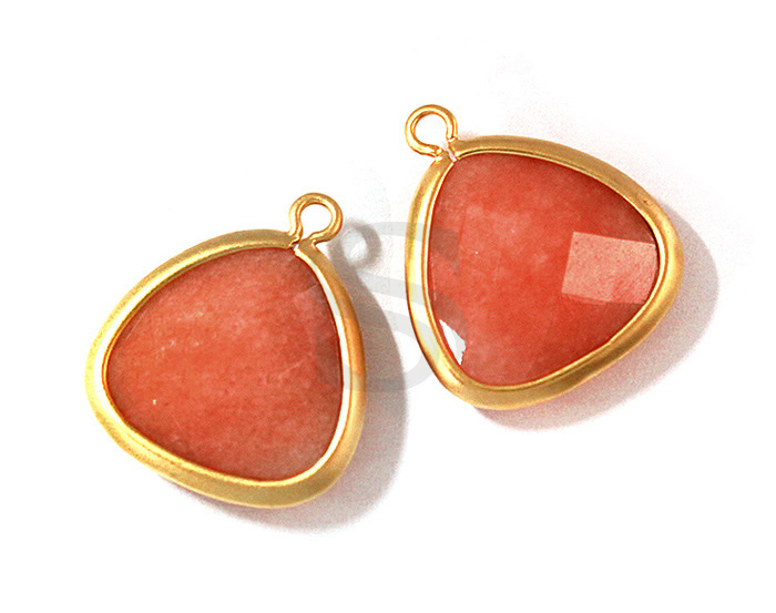 [G0114-P-MGRDA] 2 Pcs / Unique Shape Bezel Setting Pendant / Red Aventurine / 15mm x 17mm