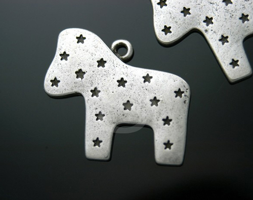 [C-071-AS] 4 Pcs / Cute star engraved Colt Charms