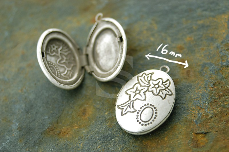 [B1580-P-AS] 2 Pcs / Highly wrought Pattern Oval Lockets