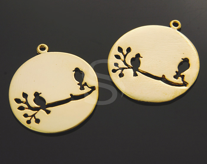 [B1087-P-G] 2 Pcs / Branch On Two Birds Cut Out Round Disk Pendant / Brass / 23mm x 26mm